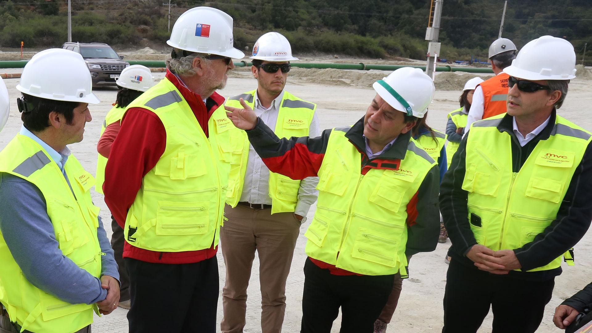 Minera Valle Central recibió a Ministro de Minería