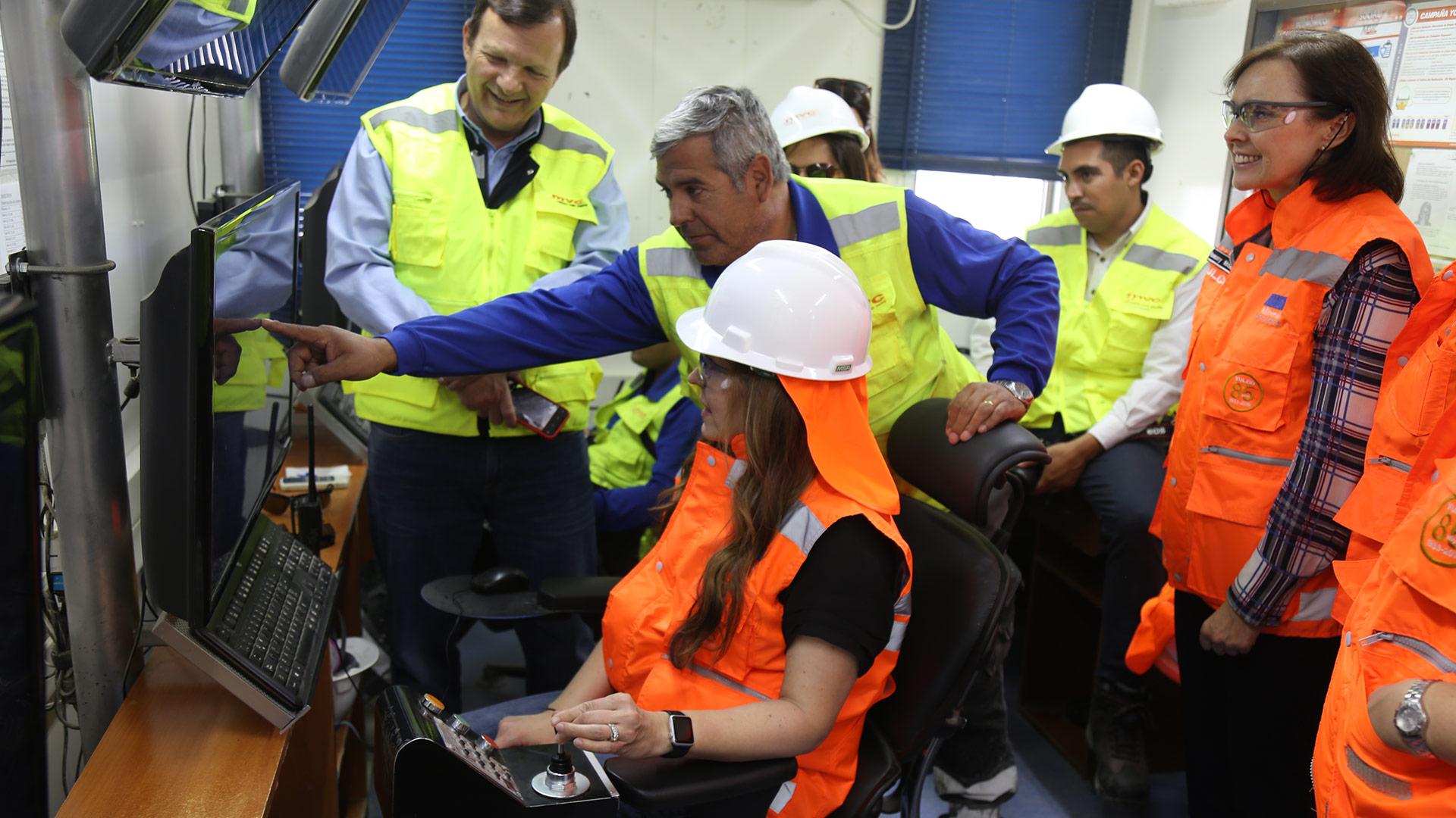 Ejecutivos de Vulco Wear Minerals visitan instalaciones de MVC